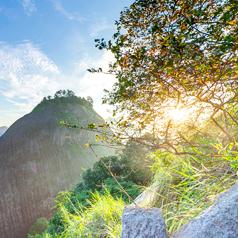 武夷山虎啸岩